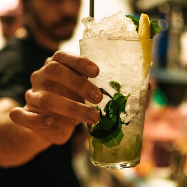 Tastings & Bar